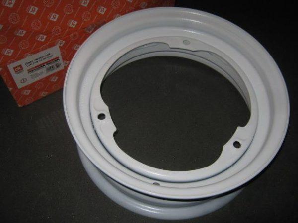 Disk-kolesny`j-stal`noj-13×4,5-3×256-ET30-DIA228-Tavriya-Slavuta-bely`j-DK-11021-3101015-01