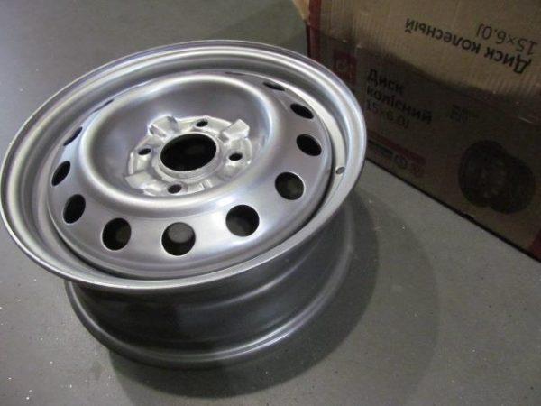 Disk-kolesny`j-stal`noj-15×6,0-4×114,3-ET45-DIA67,1-Hyundai-Kia-Mitsubishi-DK-238.3101015-03