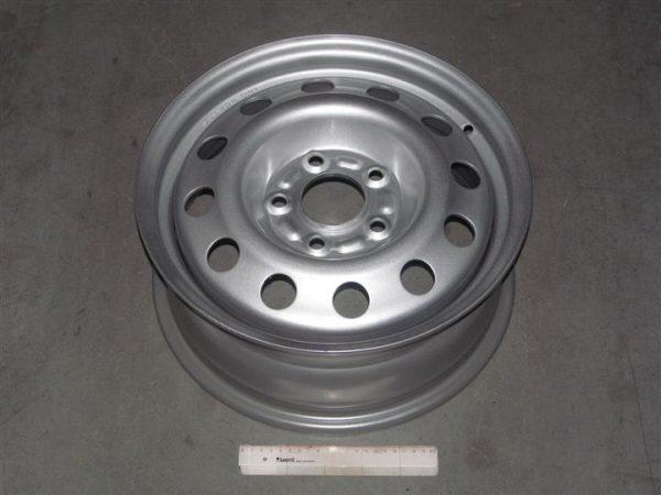 Disk-kolesny`j-stal`noj-15×6,0-5×114,3-ET45-DIA67,1-KIA-Geely-Emgrand-DK-1064000-foto1