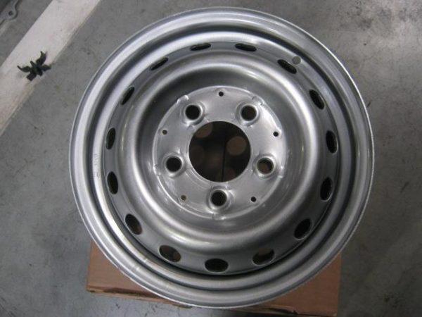 Disk-kolesny`j-stal`noj-15×6,0-5×130-ET75-DIA84.1-Mercedes-Sprinter-DK-A 001 401 48 03-foto1